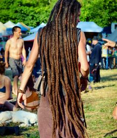 Awesome capture by @18h31 || long locks. Locs. Loc'd hair.