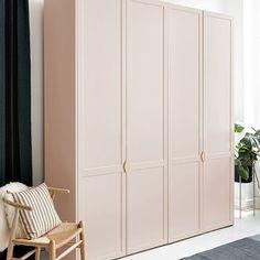 Ikea Pax, Armoire Pax Ikea, Dressing Pax Ikea, Dressing Design, Bedroom Built In Wardrobe, Hallway Closet, Interior Design Kitchen, Interior Architecture, Tall Cabinet Storage