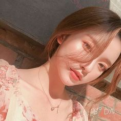 Image may contain: one or more people and closeup Korean Beauty Girls, Pretty Korean Girls, Cute Korean Girl, Asian Beauty, Asian Girl, Mode Ulzzang, Ulzzang Korean Girl, Asian Makeup, Korean Makeup