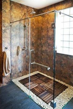 Custom shower designs are modern ideas that bring spectacular natural materials and interesting architecture into homes and combine them with stunning luxury and unique style. There is no shortage of