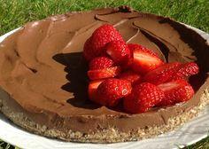 Raw Chokladtryffeltårta med en touch av lakrits