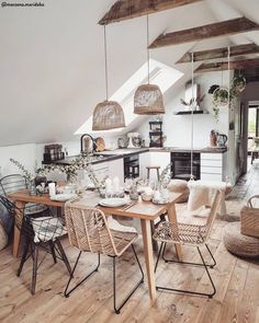 In case you're on the chase for cute prompt inside structure sight to behold to motivate your own bohemian style living space, look to bohemian furniture! Interior Design Inspiration, Room Inspiration, Modern Decor, Mid-century Modern, Bohemian Furniture, Attic House, Boho Kitchen, Table Arrangements, Deco Table