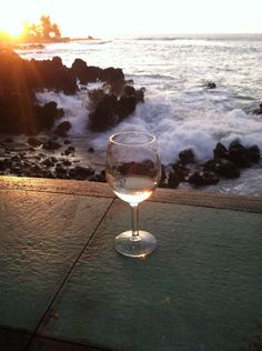 Winter Wine Kealakekua Bay, Bali House, Big Island Hawaii, White Wine, Alcoholic Drinks, Winter, Glass, Winter Time, Drinkware