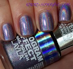 Layla Hologram Effect Nail Polish in 04 Ultra Violet