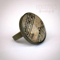 A világjáró hegedűslány gyűrűje Ékszer, Gyűrű, hangjegy, kotta, Meska, jewelry, ring, decoupage Decoupage, Cufflinks, Personalized Items, Jewelry, Accessories, Jewlery, Bijoux, Jewerly, Wedding Cufflinks
