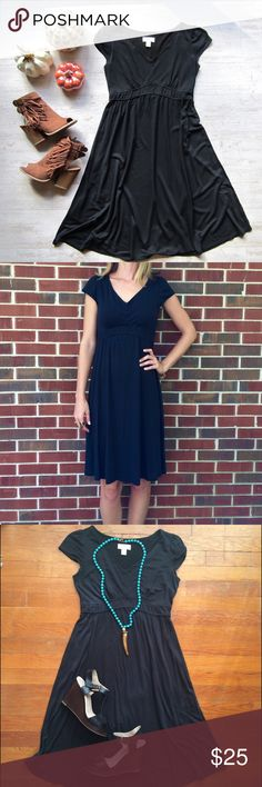"LOFT Casual Black Dress Cute and comfortable black dress. A great office appropriate dress. Add a cardigan and boots to transition this dress into your fall wardrobe. Hem falls at the knees or below, depending on your height. I am 5' 8"" for reference. In excellent condition. 🎀 LOFT Dresses"