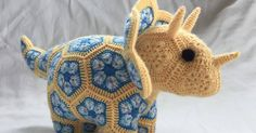 Crochet between worlds: Ta-dah! Plod the Triceratops!