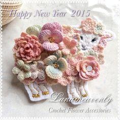 h クロッシェ ハンドメイド diy crochet Crochet Brooch, Freeform Crochet, Crochet Art, Crochet Motif, Irish Crochet, Crochet Patterns, Knitted Flowers, Knitting Accessories, Ribbon Embroidery