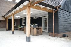 Terrasoverkapping - Renovatie van woonboerderij in Zwartebroek | Bouwen in Stijl Garden Studio, Outdoor Areas, Garden Design, Terrace, White Trim, Porch Veranda, Back Patio, Outdoor Living Rooms, Garden Styles
