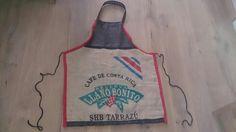 Speciale schort gemaakt voor iemand die ging deelnemen aan een 'bartender competition'. Hij bracht geluk..