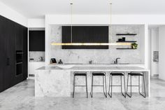 The soft luxurious movement and versatile tone of Signorino's New Grey Tundra allows extensive use with confidence. Dream kitchen by --- Photo: Styling: Kitchen Interior, New Kitchen, Kitchen Dining, Kitchen Decor, Marbel Kitchen, Marble Interior, Interior Design, Modern Kitchen Design, Cool Kitchens