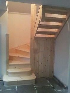 30 Awesome Loft Staircase Design Ideas You Have To See Small Staircase, Loft Staircase, Basement Stairs, House Stairs, Staircase Design, Cottage Staircase, Stairs Into Attic, Space Saving Staircase, Closet Under Stairs