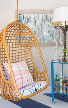A cozy, fun swinging chair Interior And Exterior, Interior Design, Swinging Chair, Home And Deco, My New Room, My Dream Home, Living Spaces, Living Rooms, Sweet Home