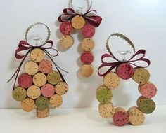 Useful Cork crafts - Wonderful DIY Christmas Tree Ornaments Using Wine Corks Wine Cork Ornaments, How To Make Ornaments, Christmas Tree Ornaments, Christmas Decorations, Tree Decorations, Diy Ornaments, Xmas Trees, Diy Decoration, Wine Craft