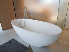 wohl die beliebteste unter den freistehenden Badewannen: Lavasca ...   {Badezimmer badewanne 90}