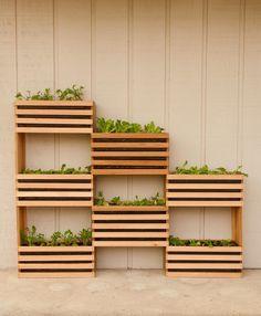 Small Backyard Garden Ideas & Tips ~Family Food Garden Vertical Vegetable Gardens, Vertical Garden Diy, Vertical Planter, Vegetable Gardening, Small Raised Garden Ideas, Small Yard Vegetable Garden Ideas, Small Square Garden Ideas, Cool Garden Ideas, Small Garden Inspiration