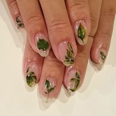 Nail art Christmas - the festive spirit on the nails. Over 70 creative ideas and tutorials - My Nails Nail Design Stiletto, Nail Design Glitter, Clear Nails With Design, Acrylic Nails, Gel Nails, Nail Polish, Marble Nails, Trendy Nails, Cute Nails