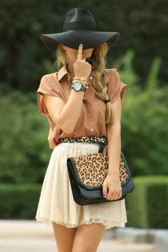 Neutrals with edgey blue nails NOT MATCHING love it, alittle animal print thrown in