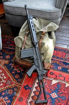 Been too long since I have had a proper battle rifle Military Weapons, Weapons Guns, Guns And Ammo, Assault Weapon, Assault Rifle, Fal Rifle, Battle Rifle, Shooting Guns, Cool Guns