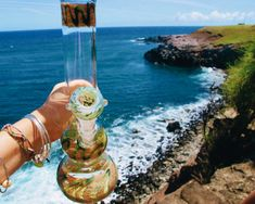 Canna Tourism: 5 Getaways Designed Just For Marijuana Lovers! Smoking Bong, Bubbler Pipe, Buy Cannabis Seeds, Cool Bongs, Online Head Shop, Puff And Pass, Pipes And Bongs, Dab Rig, Glass Bongs