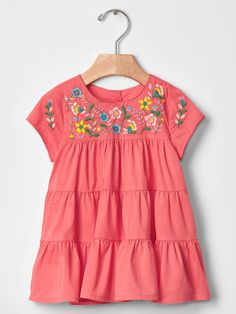 Baby dresses & rompers from Gap are cute and comfortable for your active baby girl. Shop a variety of colors and prints to find the perfect baby girl dress. Baby Girl Dress Design, Baby Girl Dresses, Little Dresses, Toddler Girl Outfits, Kids Outfits, Cute Outfits, Little Fashion, Kids Fashion, Embroidered Clothes