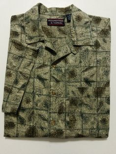 Roundtree & Yorke - Men's Shirt Size Medium Multi-color - Button Down Front with Short Sleeves  #RoundtreeYorke #ButtonFront ..... Visit all of our online locations ..... (www.stores.eBay.com/variety-on-a-budget) ..... (www.amazon.com/shops/Variety-on-a-Budget) ..... (www.etsy.com/shop/VarietyonaBudget) ..... (www.bonanza.com/booths/VarietyonaBudget ) .....(www.facebook.com/VarietyonaBudgetOnlineShopping)