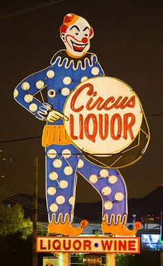 Circus Liquor, vintage neon sign by Thomas Hawk