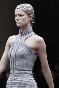 Alexander McQueen Fall 2011 Ready-to-Wear Fashion Show Details