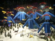Selfridges Christmas WIndow 2013. Suspension, Use of Space, Hanging Parts