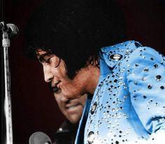 Elvis in concert in Hampton Roads April 9 1972.