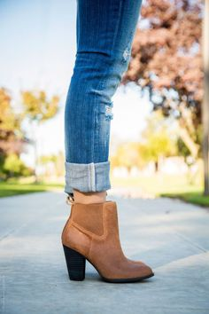 Classic cognac booties with cuffed jeans. #boots #jeans #fashion
