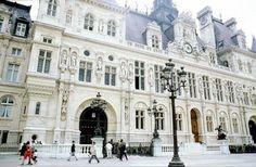 The absolutely gorgeous, intricately designed Hotel de Ville, Paris.