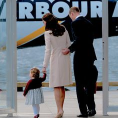 William, Kate, George & Charlotte arrive and depart from Victoria Harbor by sea plane on the final day of their royal tour of Canada. Eight days and countless memories for them as a family!
