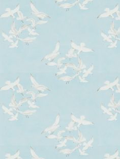Seagulls, a feature wallpaper from Sanderson, featured in the Vintage 2 Wallpapers collection.