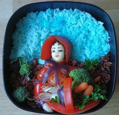 Harvest Bento. A well-designed bento that looks like the Sun Maid Raisin girl.