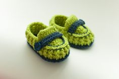 Crochet baby    Booties,shoes ,baby boy booties by Rainbowstories on Etsy https://www.etsy.com/listing/210700081/crochet-baby-bootiesshoes-baby-boy