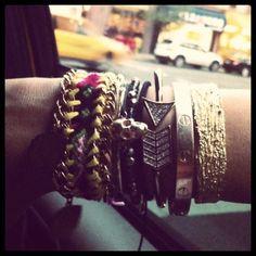 ♥ ℳṧ▪ ϟ⊥¥ʟ℮ JṲℕḲЇℰ: How to: Different ways to stack bracelets