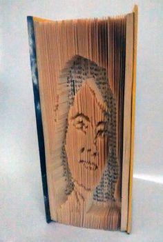 PORTRAIT   elartedeowl.blogspot.com elartedeowl.tumblr.com  #librosplegados #librosplisados #arteconlibros #foldingbooksart #alteredbook #upcycle #recycled #reciclado #eco #diseño #design #hechoamano #handmade