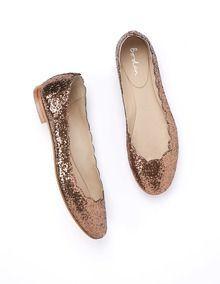 Reception dancin' shoes? Cute!