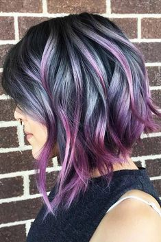An inverted bob haircut is a trendy variation of a classic bob haircut that is o… - Curly Bob Hairstyles Wavy Inverted Bob, Inverted Bob Hairstyles, Trendy Hairstyles, Rainbow Hairstyles, Short Haircuts, Celebrity Hairstyles, Wedding Hairstyles, Bob Hair Color, Ombre Hair Color