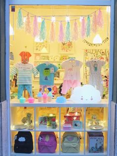 Clothing Store Interior, Clothing Store Displays, Clothing Store Design, Boutique Decor, Kids Boutique, Kids Store Display, Gift Shop Interiors, Kids Clothing Rack, Craft Show Displays