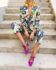 "3,430 mentions J'aime, 36 commentaires - Fashion, Life & Style Blog (@lifestylecatcher) sur Instagram : ""On fire🔥🌈 @macademiangirl 💕💚💙💜 Check link in bio for shopping 🔝🔝🔝🔝 #printedsuit #colorgame…"""