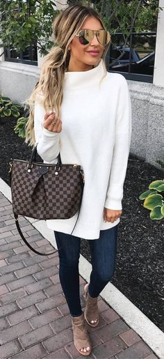 fall outfit idea / white sweater + bag + skinnies + heels