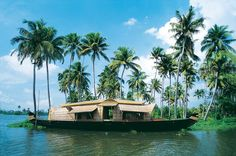 """""""God's own country""""- Kerala is counted as one of the best tourist destinations in India. Check out the must visit top tourist places in Kerala. Kerala Travel, Kerala Tourism, India Travel, We Are The World, In This World, Romantic Places, Beautiful Places, Beautiful Sunset, Green Nature Wallpaper"""