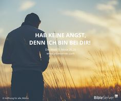 Gott ist immer bei dir. Deshalb brauchst du keine Angst zu haben. Das steht in der Bibel auf #BibleServer: 1. Mose 26,24