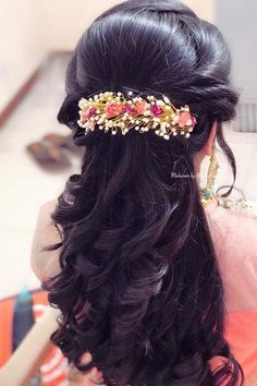 67 Ideas Indian Bridal Hair Style For Long Hair Hairdos Saree Hairstyles, Open Hairstyles, Ethnic Hairstyles, Bride Hairstyles, Hairstyles Haircuts, Trending Hairstyles, Bridal Hairstyle Indian Wedding, Bridal Hair Buns, Bridal Hairdo