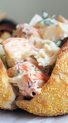 Lobster Rolls, the best lobster roll recipe ever with tons of flavor and hardly any mayo. Lobster Roll Recipes, Lobster Rolls, Fish Recipes, Seafood Recipes, Lobster Tacos, Seafood Meals, Recipes Dinner, Lobster Dishes, Seafood Dishes