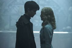 Emma Bloom and Jacob Portman.Miss peregrines home for peculiar children. ❤️(movie)
