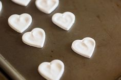 DIY Projects / Heart Thumbprint Necklace Gift Project for Kids | The Little Umbrella