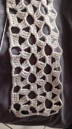 Best 8 How to Crochet Wave Fan Edging Border Stitch Crochet Circles, Crochet Motifs, Crochet Stitches Patterns, Knitting Patterns, Crochet Flowers, Crochet Lace, Free Crochet, Crochet Cardigan, Yarn Crafts